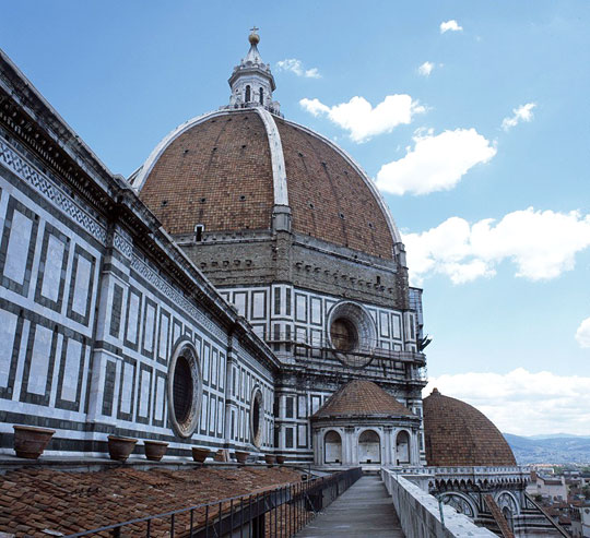 View of Brunelleschi&#039;s dome from the first gallery. Photo courtesy of the project for the photographic documentation of the Cupola of St. Maria del Fiore in Florence