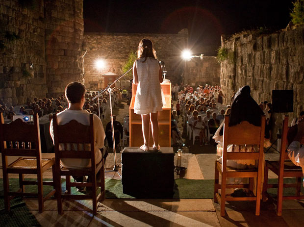 A public reading of Homer's <em>Odyssey</em> held in Greece. Photo courtesy of The Readers of Homer