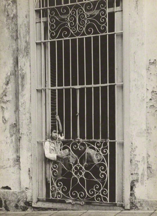 <em>Cuban Children</em>, Walker Evans, 1933. The J. Paul Getty Museum. © Walker Evans Archive, The Metropolitan Museum of Art