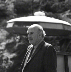 John Lautner, 1970.  J. Paul Getty Trust. Used with permission. Julius Shulman Photography Archive, Research Library at the Getty Research Institute, 2004.R.10