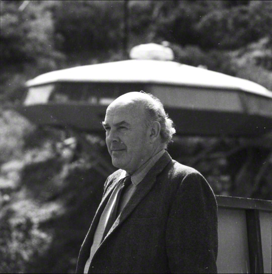 John Lautner, 1970. Julius Shulman photography archive. The Getty Research Institute, 2004.R.10