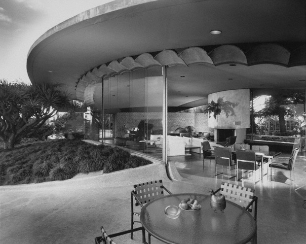 Silvertop House, 1963 (photograph 1980) Julius Shulman photography archive. The Getty Research Institute, 2004.R.10