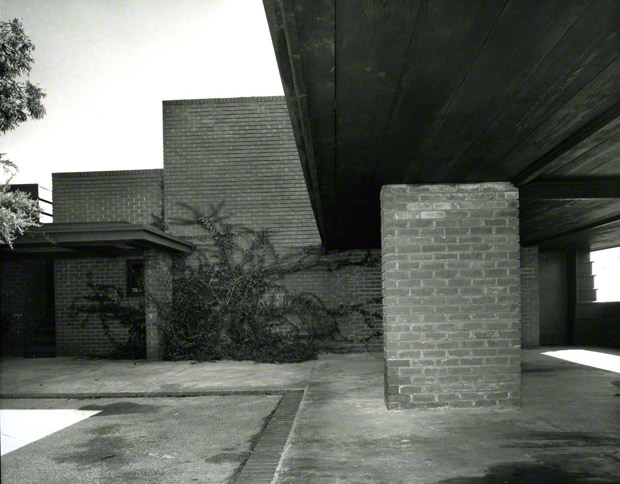 Sturges House, 1939 (photograph 1954) Julius Shulman photography archive. The Getty Research Institute, 2004.R.10