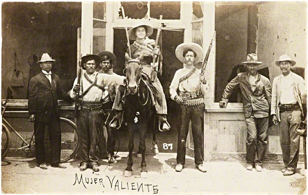 Mujer valiente (brave woman) / unknown photographer