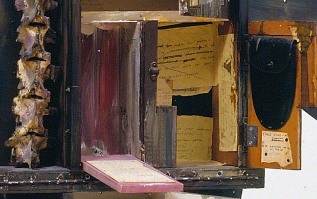 Detail of back of Walter Hopps Hopps Hopps / Edward Kienholz
