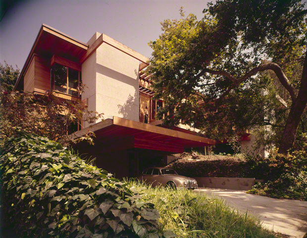 Kappe residence (exterior), Pacific Palisades, California. Ray Kappe, architect. Photo: Julius Shulman