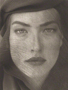 Tatjana, Veiled Head, Joshua Tree / Herb Ritts