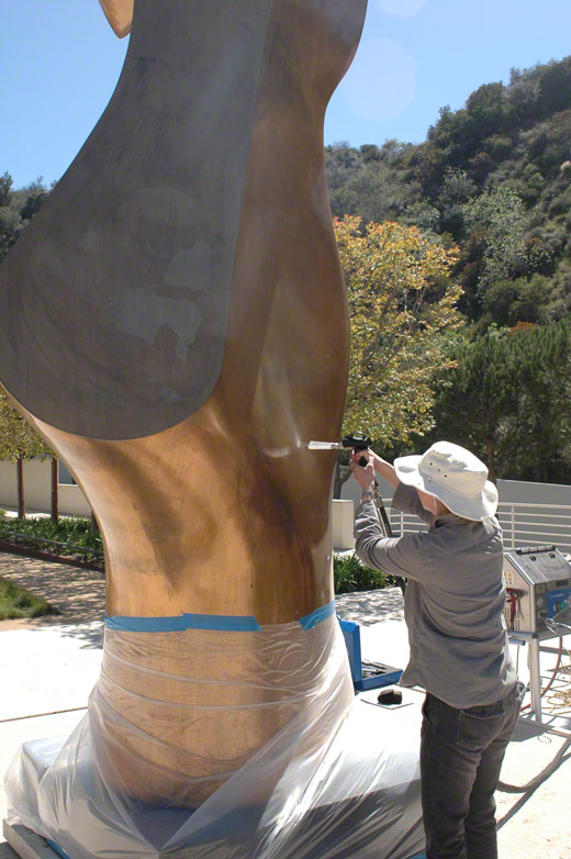 Trial of the dry-ice-blasting and coating of Henry Moore's Bronze Form