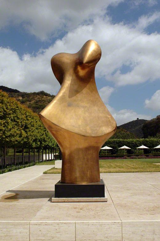 Bronze Form / Henry Moore