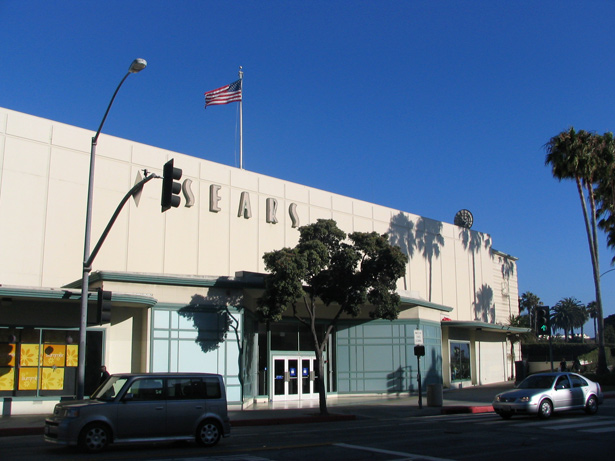 Street view of Sears store in Santa Monica, California, with Streamline Moderne architecture