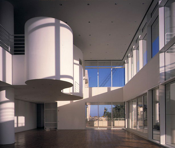 Getty Center Restaurant in 1997, before the Alexis Smith design