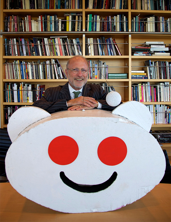 James Cuno with Reddit mascot