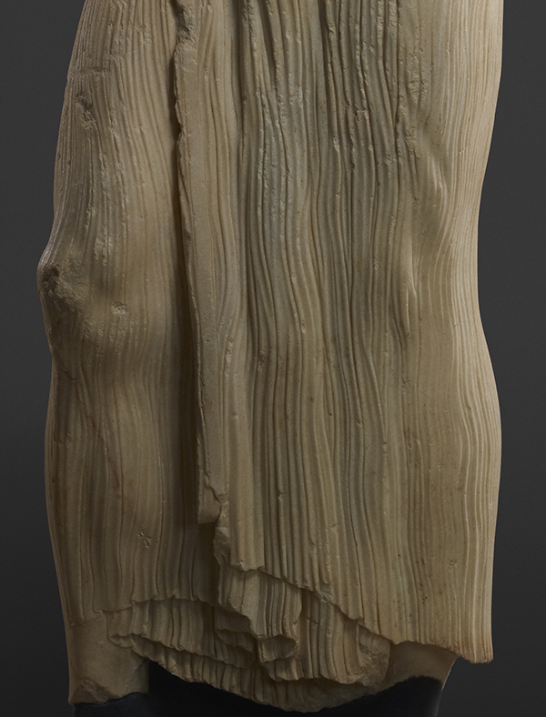 Knee and drapery on the Statue of a Youth (the Mozia Charioteer) / Sicilian Greek