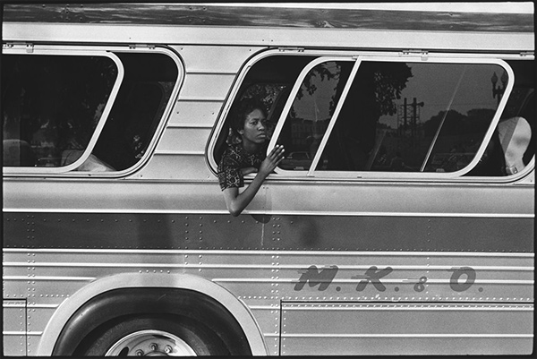 Woman on a bus riding to the March on Washington / Leonard Freed