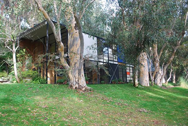 Eames House, the iconic landmark of mid-20th century modern architecture built in 1949 by husband-and-wife design team Ray and Charles Eames. Getty Conservation Institute.
