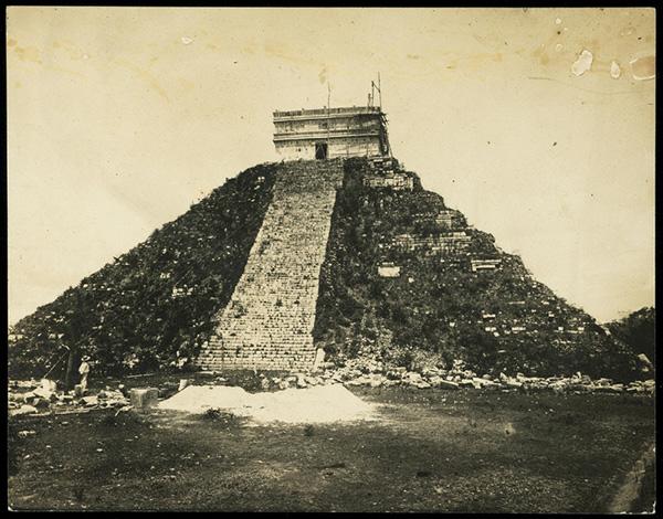 Casa del Adivino, Chichen-Itza, Yucatan / Desire Charnay