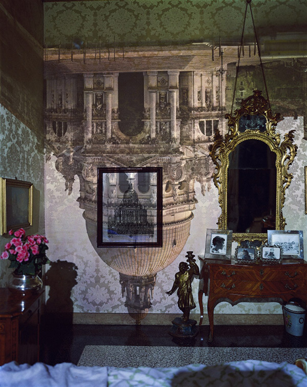Camera Obscura Image of Santa Maria della Salute in Palazzo Bedroom, Venice, Italy / Abelardo Morell