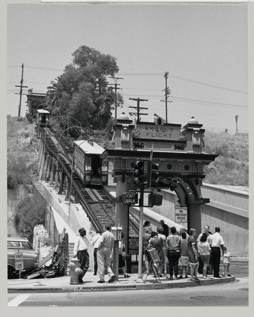 Angels' Flight railway, Los Angeles, 1964 / Julius Shulman