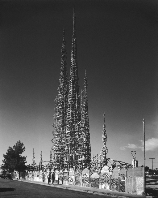 Simon Rodia's Watts Towers, Los Angeles, 1967 / Julius Shulman
