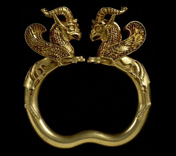 Armlet with Griffins / Achaemenid