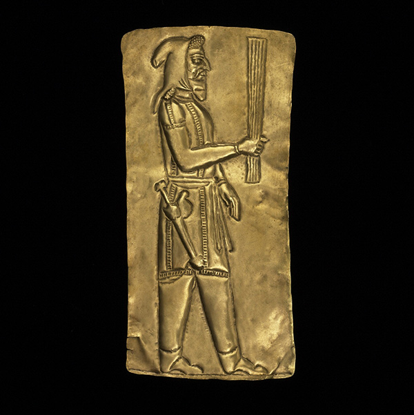 Plaque with a Priest from the Oxus Treasure / Achaemenid