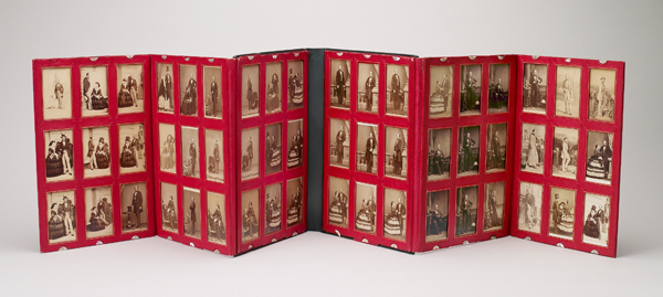Folding portfolio containing portraits of Queen Victoria and Prince Albert (1859 – 1861), Camille Silvy, John Jabez Edwin Mayall, Frances Sally Day, William Bambridge, albumen silver prints. Royal Collection Trust / © Her Majesty Queen Elizabeth II 2013