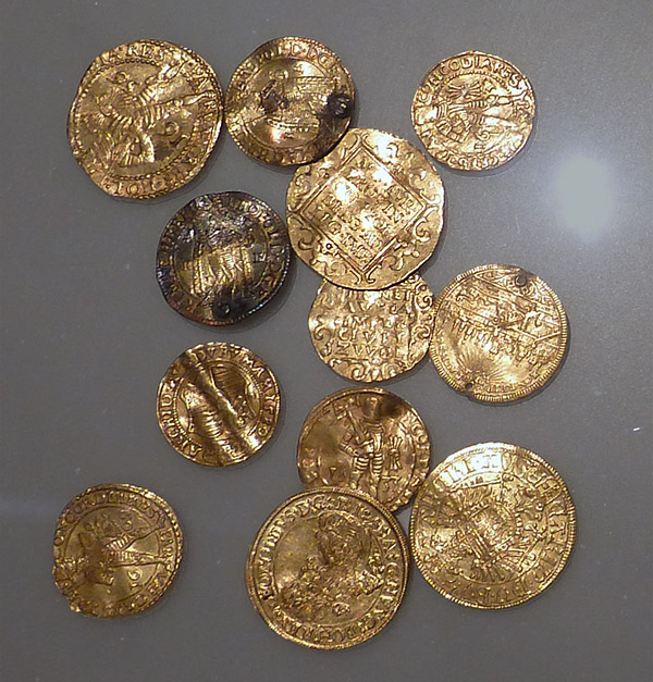 Gold ducats buried with Byzantine cuffs in the 1600s