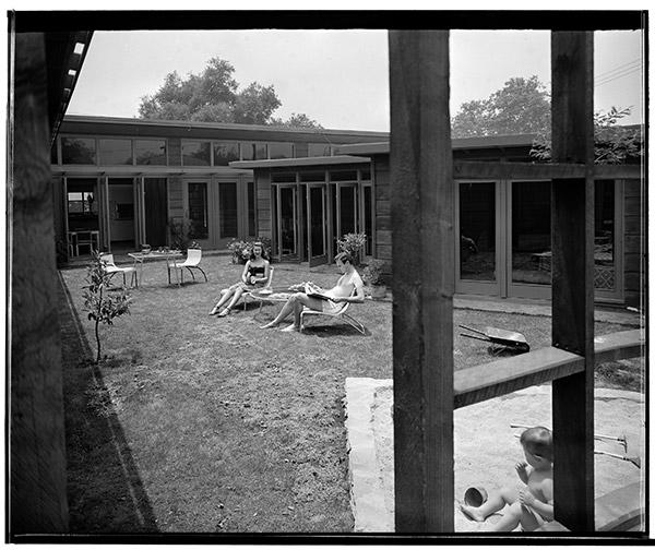 Living room, Woodman Plaza model house, Pacoima, c. 1952, Maynard Parker