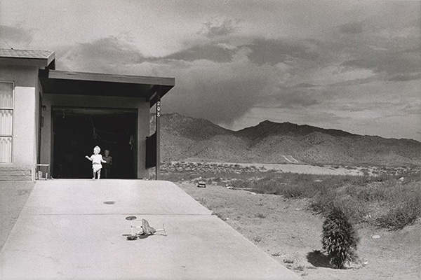 Albuquerque, New Mexico, 1957, Garry Winogrand. Image copyright Estate of Garry Winogrand, courtesy of Fraenkel Gallery