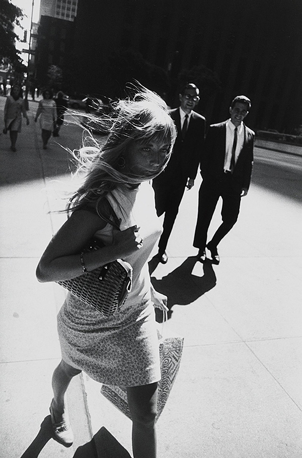New York, 1965, Garry Winogrand. Estate of Garry Winogrand, courtesy of Fraenkel Gallery