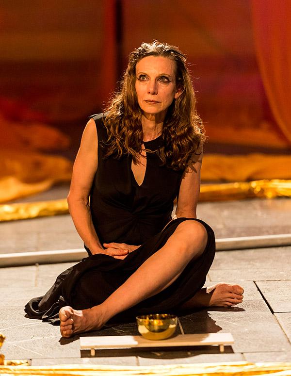 Ellen Lauren as the Queen of Persia