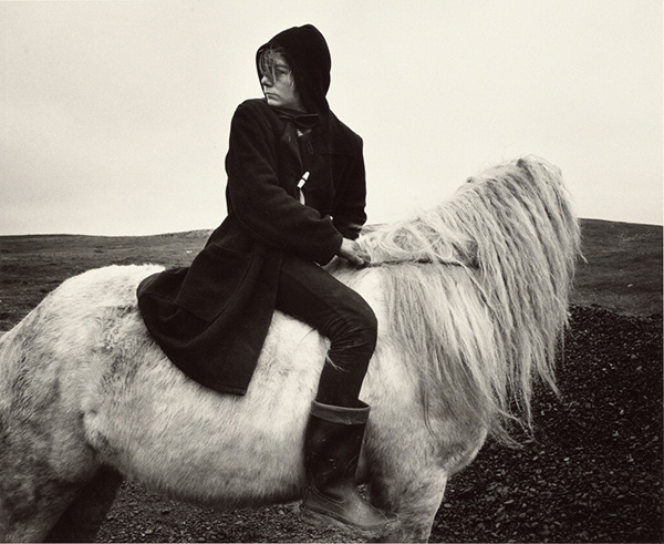 Boo on a Horse, Seacoal Camp, Lynemouth, Northumberland / Chris Killip