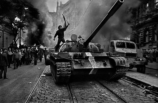 Prague, 1968, Josef Koudelka. Gelatin silver print, 5 3/4 x 9 in. Image courtesy of the Art Institute of Chicago, promised gift of private collector. © Josef Koudelka/Magnum Photos