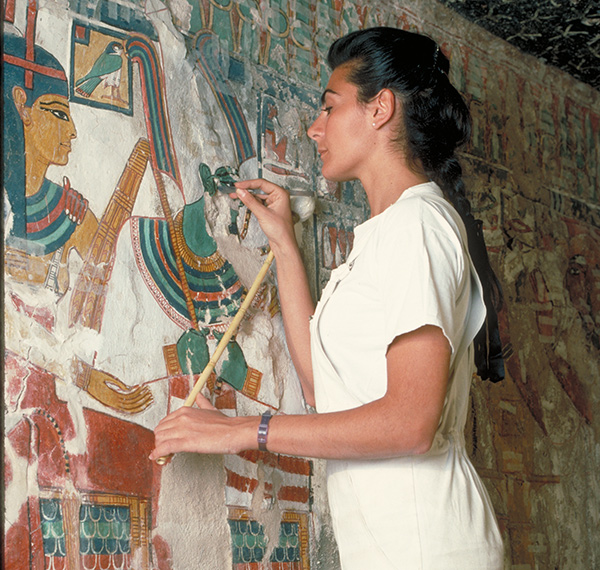 Conserving wall paintings in the Tomb of Queen Nefertari