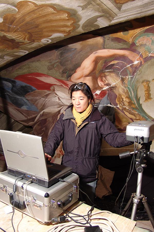 Lorinda Wong using multispectral imaging to study seventeenth-century wall paintings