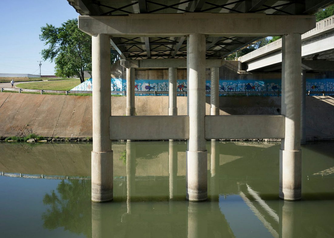 Riverfront Drive, Trinity River, May 2, 2014. Images by Terry Evans, courtesy of Amon Carter Museum