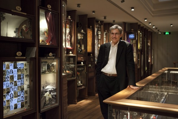Pamuk_in_the_Museum_of_Innocence