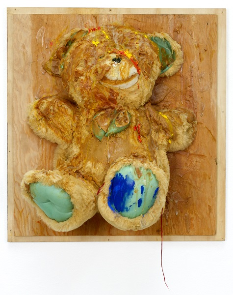 Trophy (Big Bear with Blue Feet), 2007, William Pope.L. Courtesy of the Artist © Pope.L