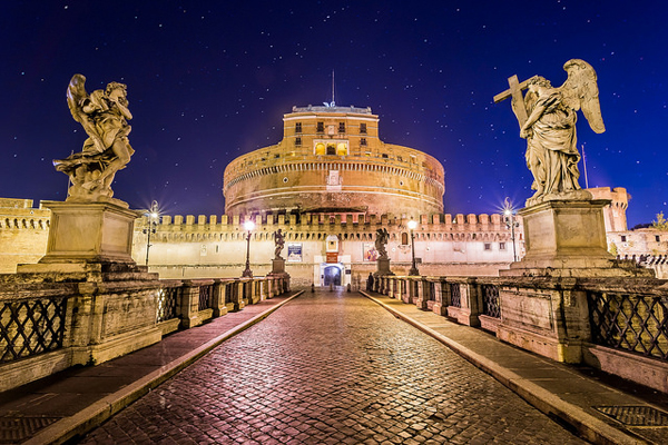 Contemporary view of the Ponte Sant'Angelo, Rome. Source: Flickr user Giuseppe Milo, CC BY-NC 2.0