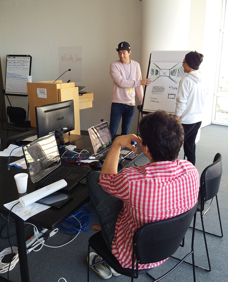 USC students brainstorm art games at the 2016 Getty Game Jam