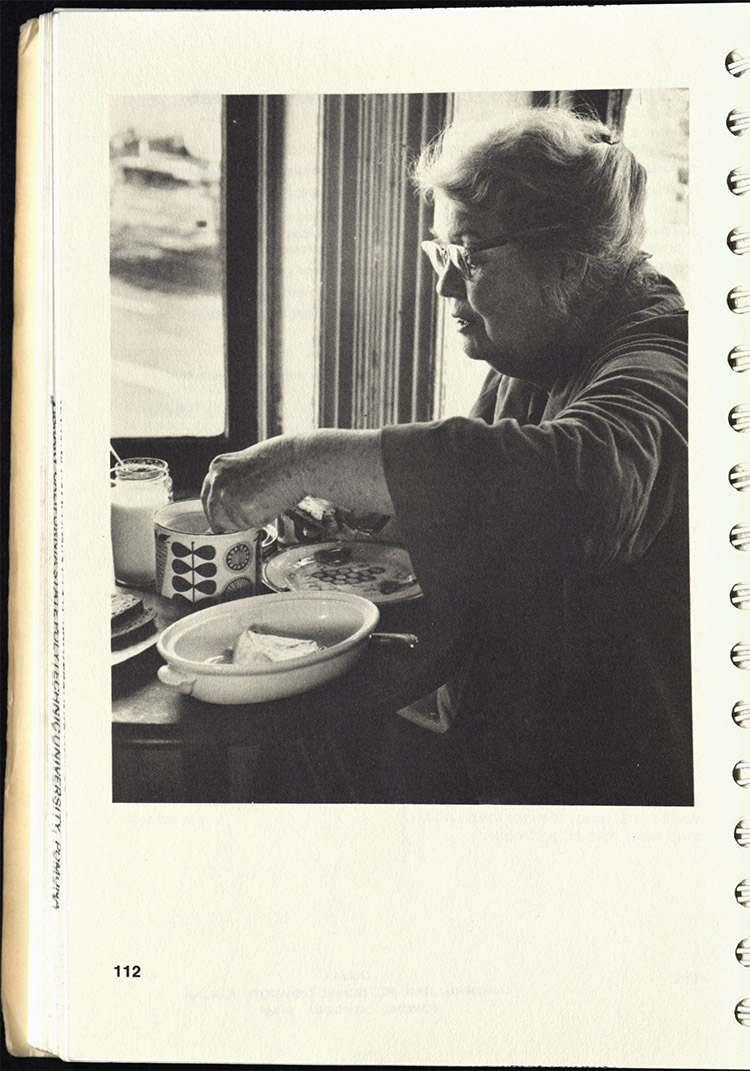Alice Neel in the kitchen / Artists' Cookbook