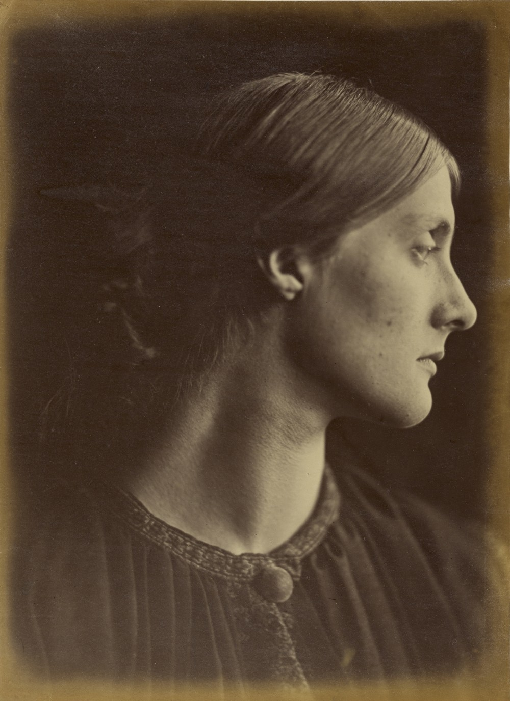 Mrs. Herbert Duckworth / Julia Margaret Cameron. Albumen silver print. 13 3/8 x 9 13/16 in. 84.XM.443.21. J. Paul Getty Museum, Los Angeles
