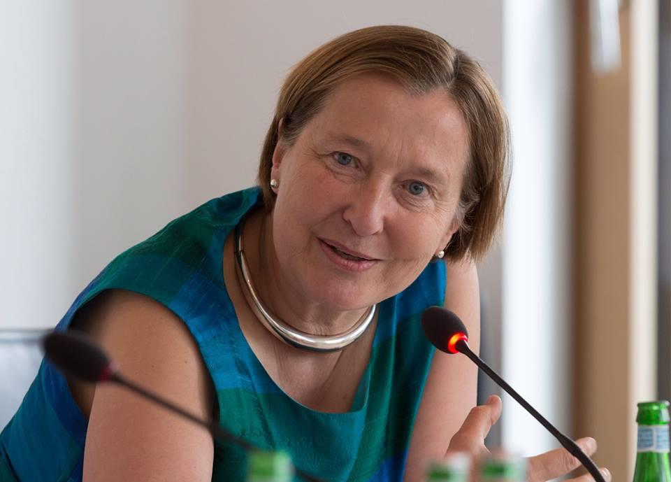 Portrait of Valerie Hansen