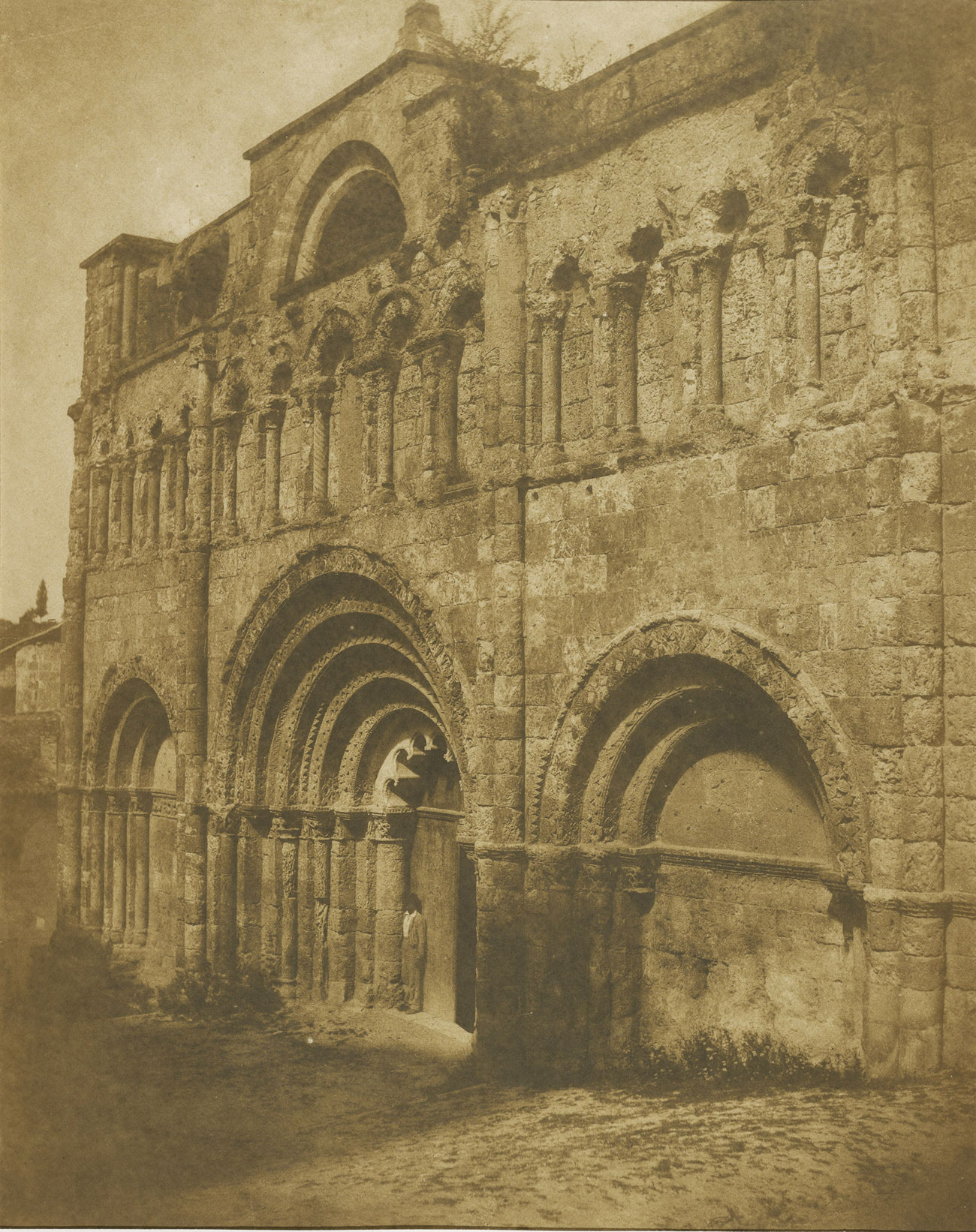 West Facade of the Church of Saint-Jacques, Aubeterre-sur-Dronne / Le Gray & Mestral