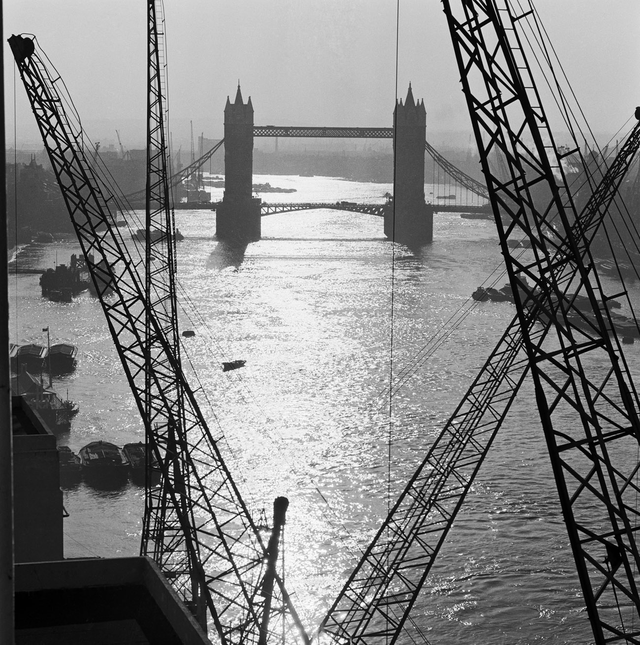 Black and white photo of the Tower Bridge, London, by John Gay, 1946. © Historic England
