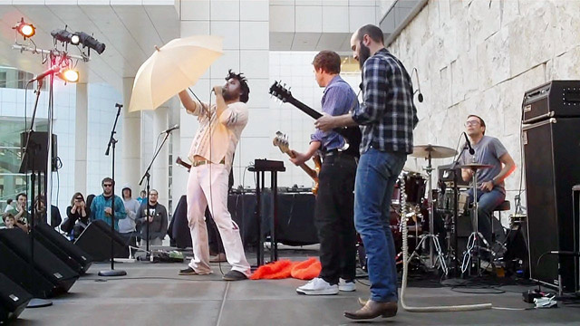 Les Savy Fav's opening song, complete with Getty umbrella
