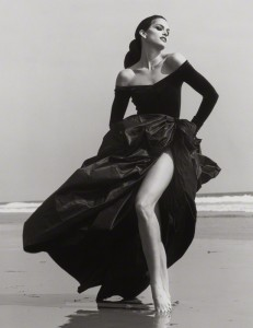 Cindy Crawford, Ferre 3 Malibu / Herb Ritts