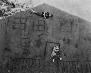 Laura and Brady in the Shadow of Our House / Abelardo Morell