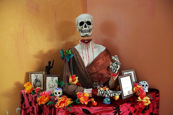 Student-Built Día de los Muertos Altar Pays Tribute to L.A.'s Saints