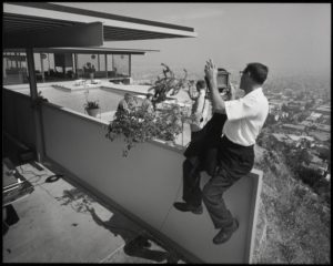 Julius Shulman photographing Case Study House no. 22, West Hollywood, 1960